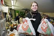 Inhabitants of Petersburg wish homeless citizens a Happy New Year